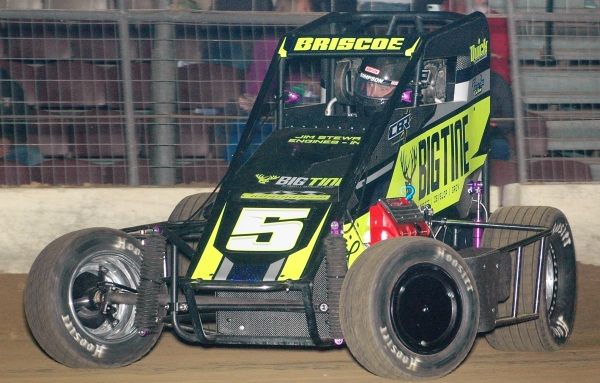 "The midget Kyle Cummins will pilot in the ""Shamrock Classic"" on March 18, seen here driven by team owner Chase Briscoe at Du Quoin in December of 2016."