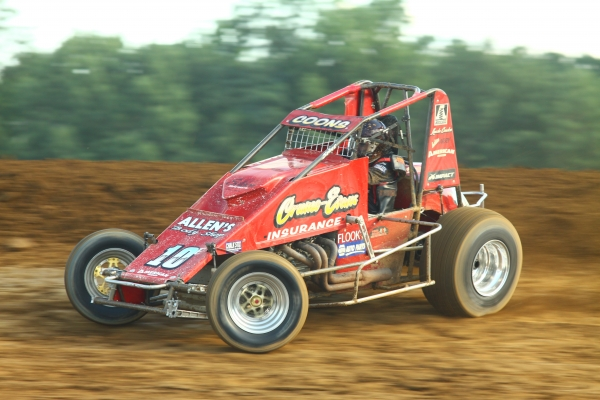 COONS LANDS LINCOLN PARK AMSOIL SPRINT CAR VICTORY