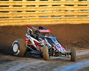 Justin Grant won Saturday night's USAC AMSOIL National Sprint Car feature at Knoxville (IA) Raceway, his fourth of the year.