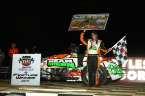 "BACON BREAKS THROUGH, WINS PORT ROYAL ""EASTERN STORM"" FEATURE"