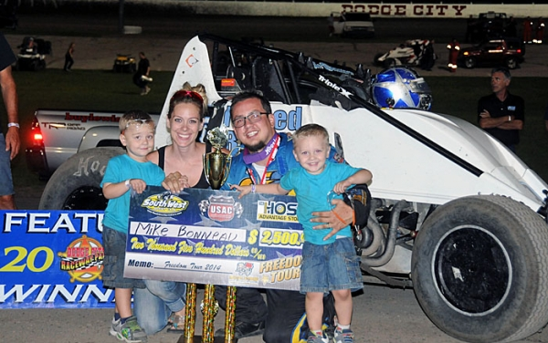 Michael Bonneau wins at Dodge City.