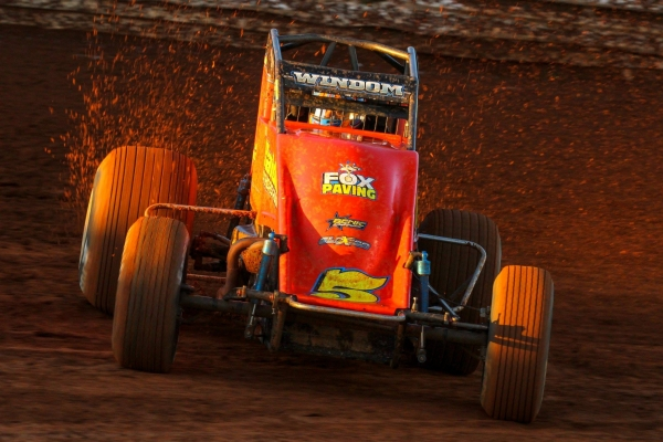 WINDOM GROOVES AT THE GROVE FOR EASTERN STORM NIGHT 2 WIN