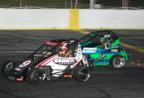 2016 USAC Eastern Midget champion Chris Lamb (#9) and Scott Hunter battle for position at Hickory during the 2016 season.