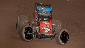 Tyler Courtney captured his third consecutive Western World Championship final night Sprint Car victory on Saturday at Arizona Speedway.