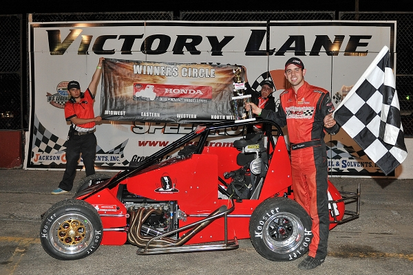 Scott Hunter wins at the Speedrome.