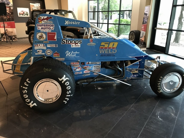 Jarett Andretti's new USAC AMSOIL Sprint Car sponsorship and livery.