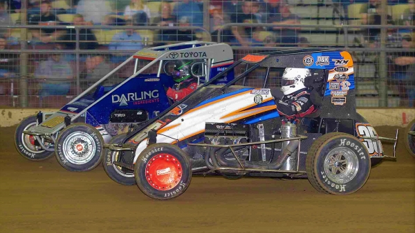 #35 Tyler Robbins and #08 Cannon McIntosh battle at last year's Shamrock Classic.