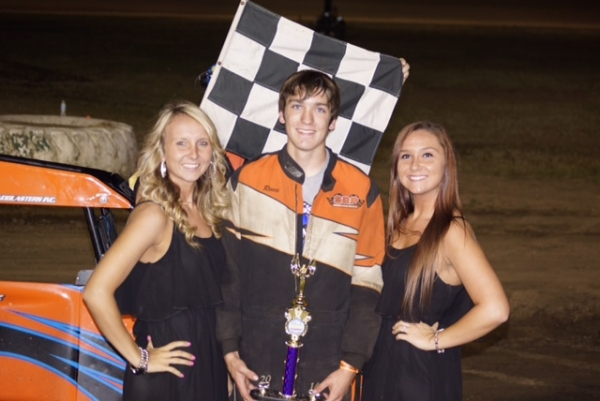 Chase Goetz won back-to-back features at Grays Harbor.