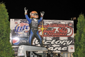 "ABREU USES LAST CORNER PASS ON THORSON FOR ""PEPSI NATIONALS"" CROWN"