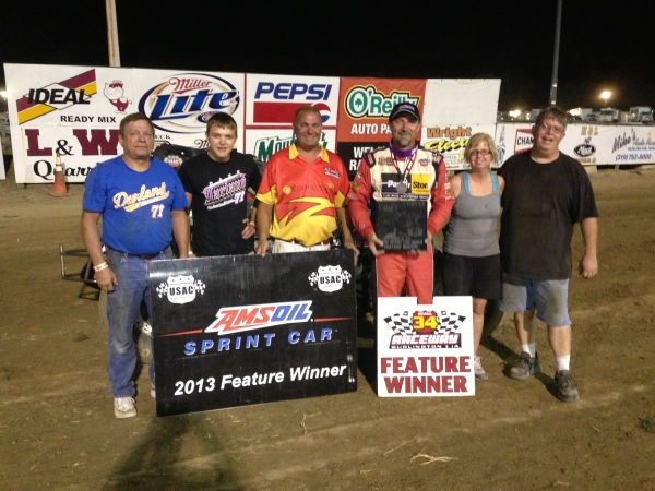 Dave Darland & Phillips Motorsports enjoy their third AMSOIL National Sprint Car win in a row.