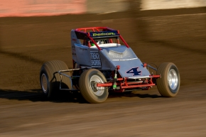 Seven-time USAC/CRA Sprint Car champion Damion Gardner can now be seen LIVE on FloRacing.com