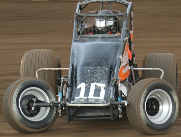 Richard Vander Weerd in action at Perris Saturday night.