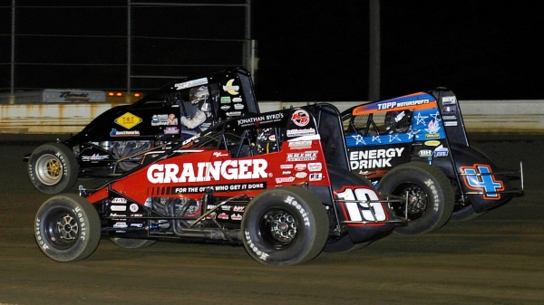 #19 Kevin Thomas, Jr., #4 Justin Grant and #71p Jason McDougal battle for the lead at Bridgeport.